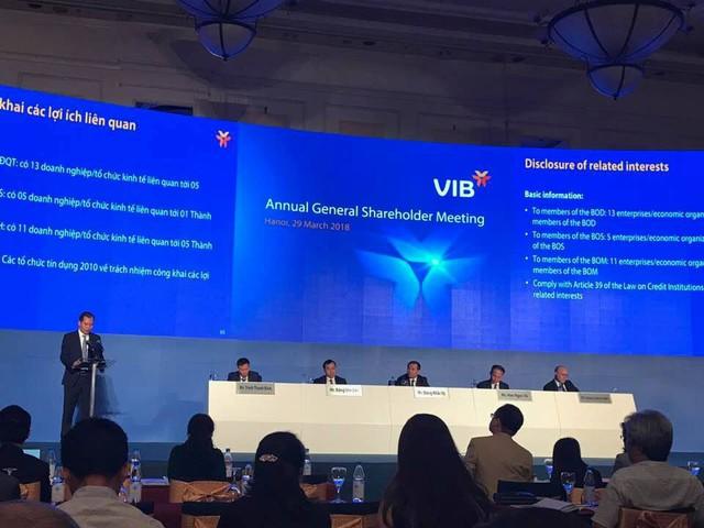 ĐHCĐ Ngân hàng VIB: Cổ đông hỏi chủ tịch VIB Đặng Khắc Vỹ bao giờ thành tỷ phú trên sàn chứng khoán - Ảnh 1.