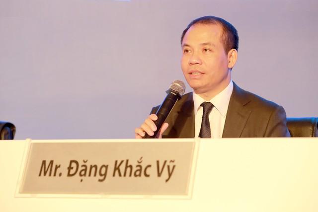 ĐHCĐ Ngân hàng VIB: Cổ đông hỏi chủ tịch VIB Đặng Khắc Vỹ bao giờ thành tỷ phú trên sàn chứng khoán - Ảnh 2.