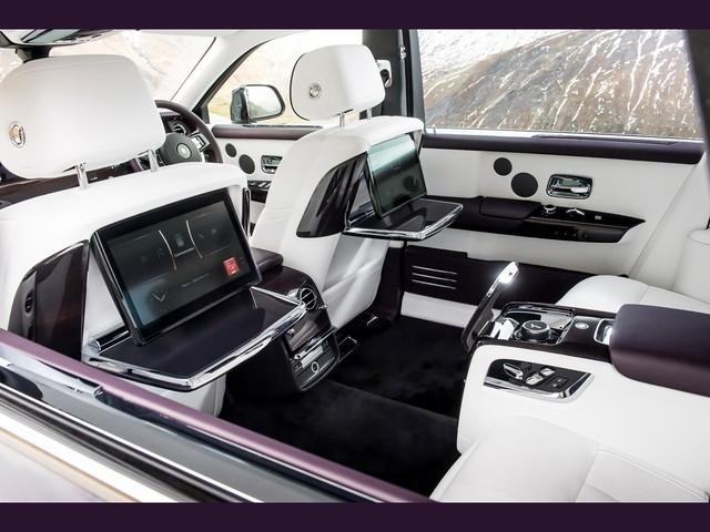 Cận cảnh Rolls-Royce Phan Tom VIII: Siêu xe sang khiến bạn cách biệt hoàn toàn thế giới bên ngoài  - Ảnh 7.