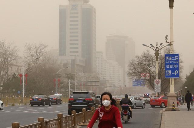 Cát bụi bao phủ Bắc Kinh và 9 tỉnh bắc Trung Quốc - Ảnh 2.