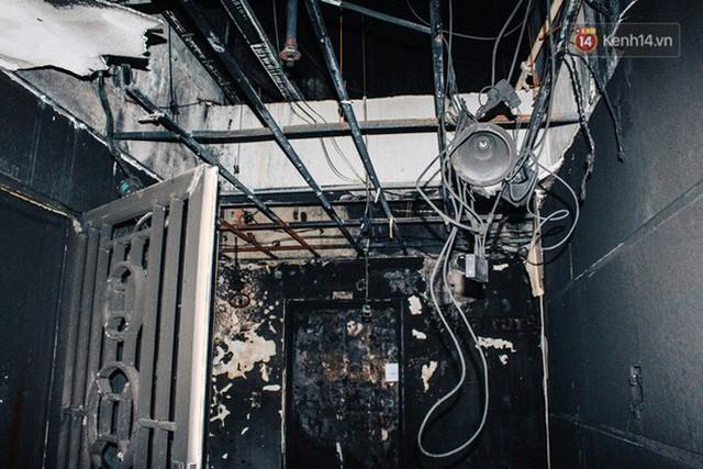 Khổ như cư dân chung cư Carina sau vụ cháy: Cõng tủ lạnh xuống mấy tầng lầu, dùng ròng rọc chuyển đồ suốt nhiều ngày liền - Ảnh 13.