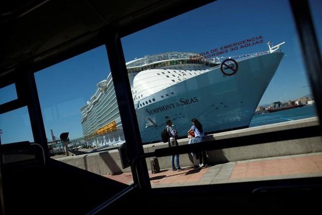 Ảnh: Cuộc sống siêu xa hoa trên du thuyền lớn nhất thế giới - Ảnh 13.