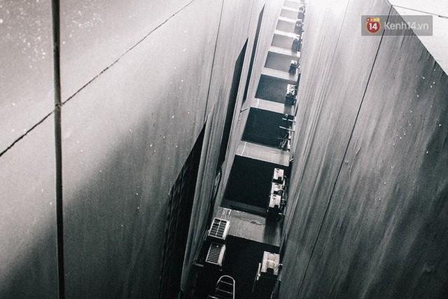 Khổ như cư dân chung cư Carina sau vụ cháy: Cõng tủ lạnh xuống mấy tầng lầu, dùng ròng rọc chuyển đồ suốt nhiều ngày liền - Ảnh 19.