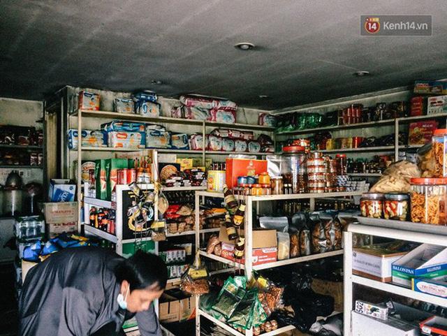 Khổ như cư dân chung cư Carina sau vụ cháy: Cõng tủ lạnh xuống mấy tầng lầu, dùng ròng rọc chuyển đồ suốt nhiều ngày liền - Ảnh 6.