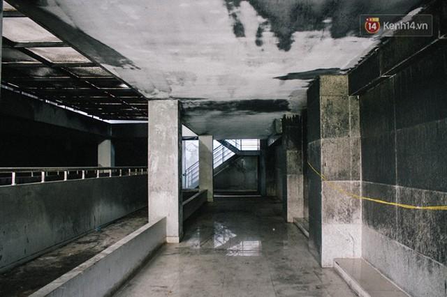 Khổ như cư dân chung cư Carina sau vụ cháy: Cõng tủ lạnh xuống mấy tầng lầu, dùng ròng rọc chuyển đồ suốt nhiều ngày liền - Ảnh 7.