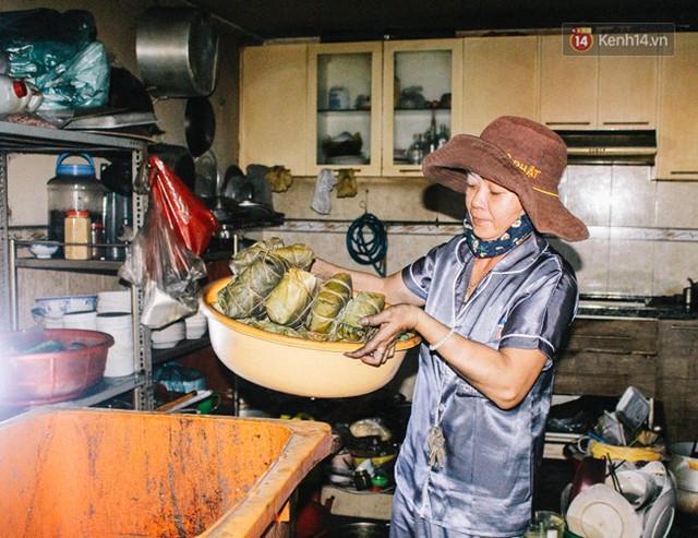 Khổ như cư dân chung cư Carina sau vụ cháy: Cõng tủ lạnh xuống mấy tầng lầu, dùng ròng rọc chuyển đồ suốt nhiều ngày liền - Ảnh 10.