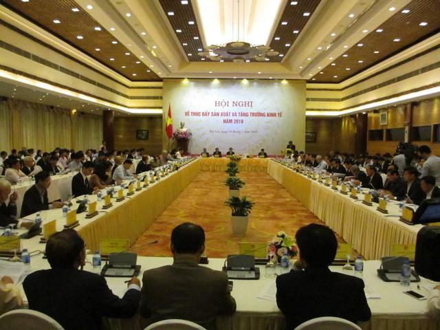 Phó Thủ tướng Trịnh Đình Dũng: Phải nắm thật chắc tất cả các diễn biến vì mô hình tăng trưởng quý sau cao hơn quý trước không còn - Ảnh 1.