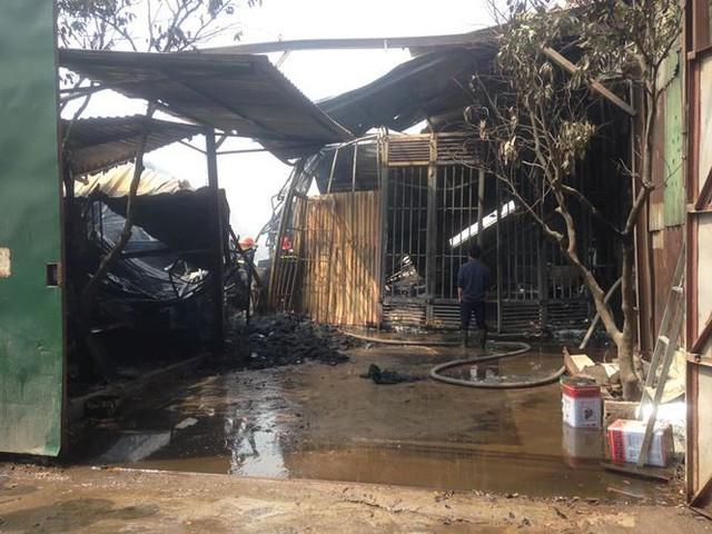 Cháy lớn tại khu nhà xưởng, hàng quán trong làng Triều Khúc - Ảnh 6.