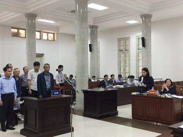 Cựu Phó Chủ tịch Hà Nội vắng phiên tòa xử vỡ ống nước sông Đà vì chẩn đoán hội chứng não - Ảnh 1.