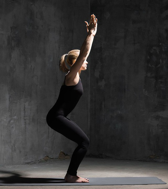 7 tư thế power yoga dành cho những người phải làm việc với cường độ cao - Ảnh 1.