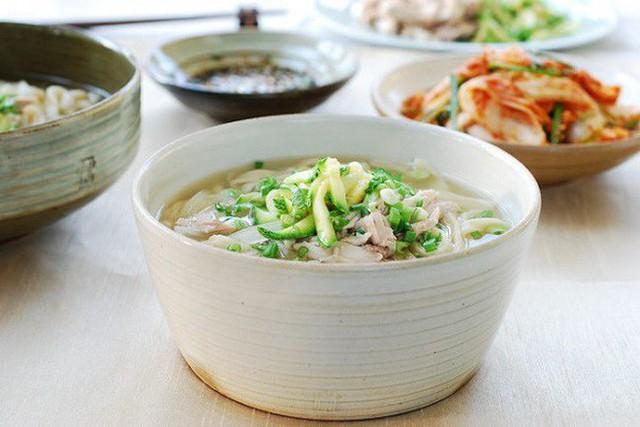 CNN công bố 10 điểm ăn ngon ở Hàn Quốc mà bất cứ du khách nào cũng không nên bỏ qua - Ảnh 12.