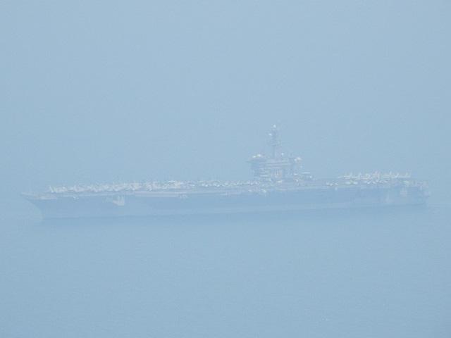 [CẬP NHẬT]: Sau tàu sân bay, tàu tuần dương Mỹ cũng đang tiến vào vịnh Đà Nẵng - Ảnh 14.