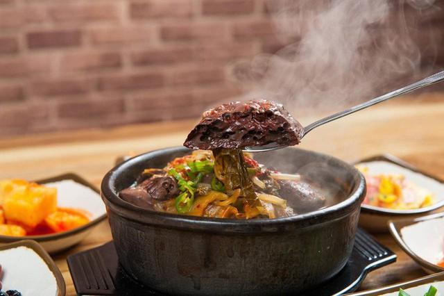 CNN công bố 10 điểm ăn ngon ở Hàn Quốc mà bất cứ du khách nào cũng không nên bỏ qua - Ảnh 15.