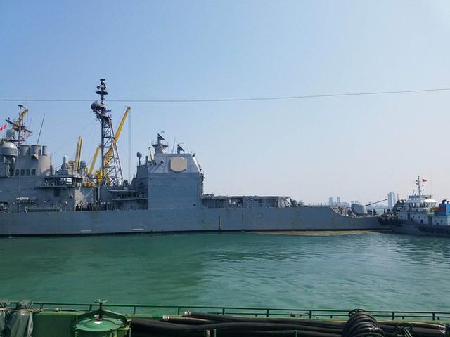 [CẬP NHẬT]: Sau tàu sân bay, tàu tuần dương Mỹ cũng đang tiến vào vịnh Đà Nẵng - Ảnh 3.