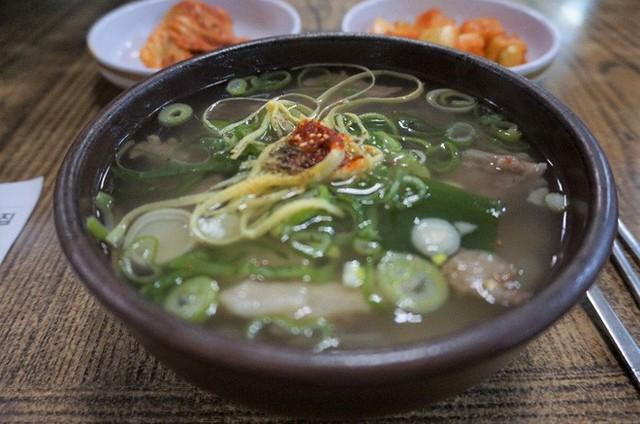 CNN công bố 10 điểm ăn ngon ở Hàn Quốc mà bất cứ du khách nào cũng không nên bỏ qua - Ảnh 26.