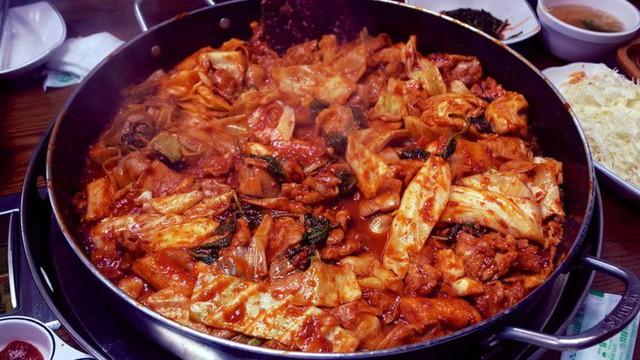 CNN công bố 10 điểm ăn ngon ở Hàn Quốc mà bất cứ du khách nào cũng không nên bỏ qua - Ảnh 4.