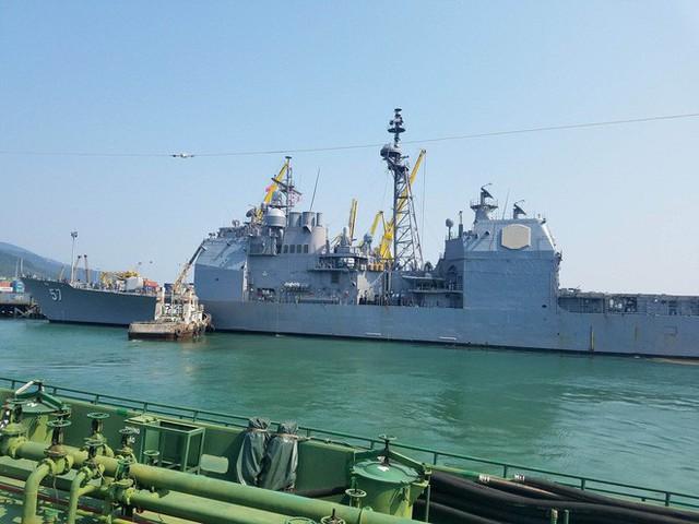 [CẬP NHẬT]: Sau tàu sân bay, tàu tuần dương Mỹ cũng đang tiến vào vịnh Đà Nẵng - Ảnh 4.