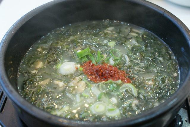 CNN công bố 10 điểm ăn ngon ở Hàn Quốc mà bất cứ du khách nào cũng không nên bỏ qua - Ảnh 32.