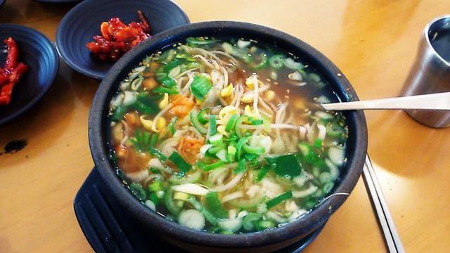 CNN công bố 10 điểm ăn ngon ở Hàn Quốc mà bất cứ du khách nào cũng không nên bỏ qua - Ảnh 33.