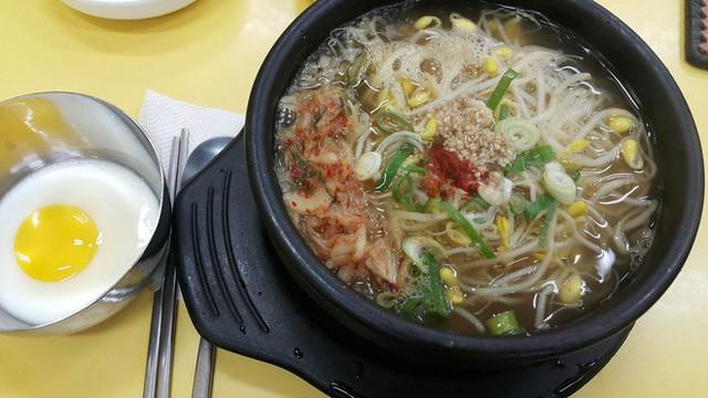 CNN công bố 10 điểm ăn ngon ở Hàn Quốc mà bất cứ du khách nào cũng không nên bỏ qua - Ảnh 34.