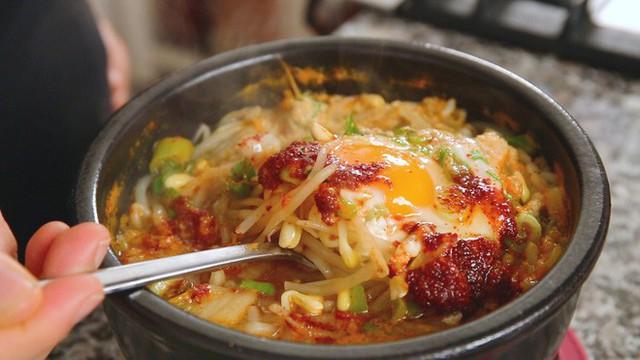 CNN công bố 10 điểm ăn ngon ở Hàn Quốc mà bất cứ du khách nào cũng không nên bỏ qua - Ảnh 35.