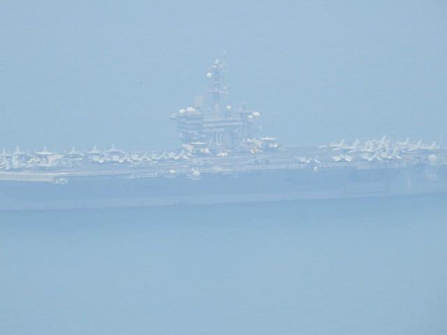 [CẬP NHẬT]: Sau tàu sân bay, tàu tuần dương Mỹ cũng đang tiến vào vịnh Đà Nẵng - Ảnh 8.