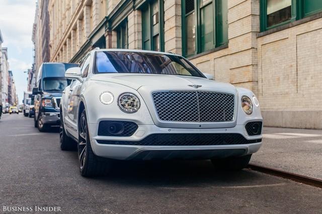 Trải nghiệm Bentley Bentayga SUV có giá 246.000 đô: Người lái phải thốt lên Thật tuyệt vời, nó vi vu như một cơn gió - Ảnh 2.