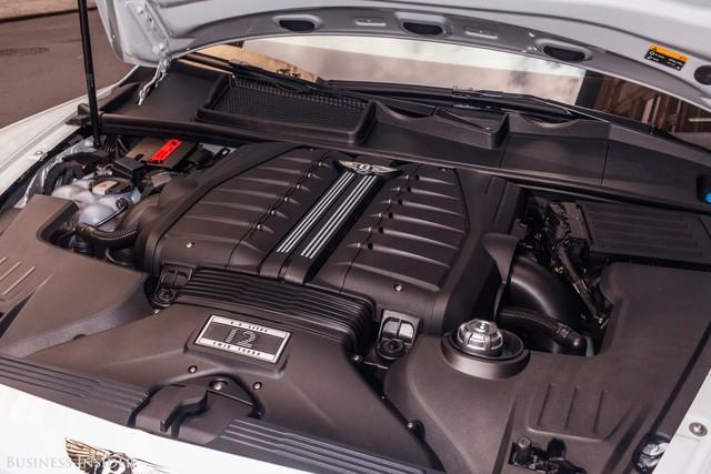 Trải nghiệm Bentley Bentayga SUV có giá 246.000 đô: Người lái phải thốt lên Thật tuyệt vời, nó vi vu như một cơn gió - Ảnh 17.
