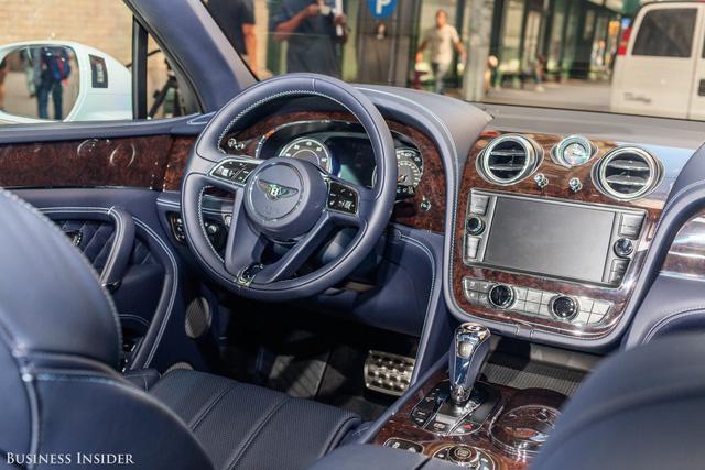Trải nghiệm Bentley Bentayga SUV có giá 246.000 đô: Người lái phải thốt lên Thật tuyệt vời, nó vi vu như một cơn gió - Ảnh 6.