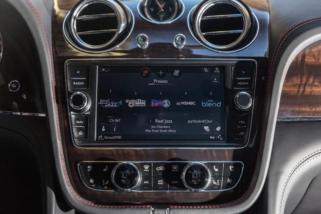 Trải nghiệm Bentley Bentayga SUV có giá 246.000 đô: Người lái phải thốt lên Thật tuyệt vời, nó vi vu như một cơn gió - Ảnh 11.