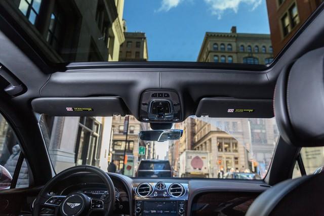Trải nghiệm Bentley Bentayga SUV có giá 246.000 đô: Người lái phải thốt lên Thật tuyệt vời, nó vi vu như một cơn gió - Ảnh 7.