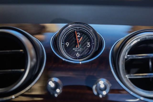 Trải nghiệm Bentley Bentayga SUV có giá 246.000 đô: Người lái phải thốt lên Thật tuyệt vời, nó vi vu như một cơn gió - Ảnh 10.