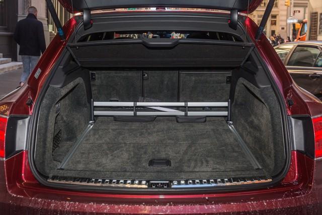 Trải nghiệm Bentley Bentayga SUV có giá 246.000 đô: Người lái phải thốt lên Thật tuyệt vời, nó vi vu như một cơn gió - Ảnh 16.