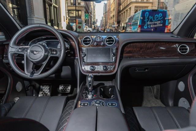 Trải nghiệm Bentley Bentayga SUV có giá 246.000 đô: Người lái phải thốt lên Thật tuyệt vời, nó vi vu như một cơn gió - Ảnh 5.