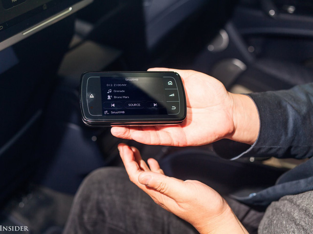 Trải nghiệm Bentley Bentayga SUV có giá 246.000 đô: Người lái phải thốt lên Thật tuyệt vời, nó vi vu như một cơn gió - Ảnh 15.