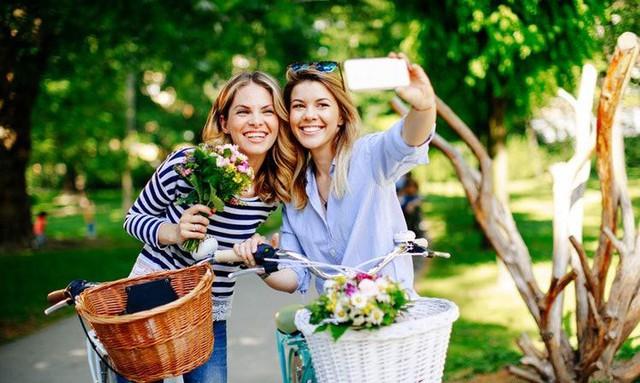Tại sao đàn ông nên tặng hoa cho người yêu thương của mình trong ngày 8/3? Câu chuyện bắt nguồn từ một ý nghĩa tuyệt vời - Ảnh 4.
