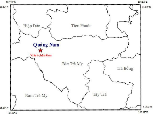 Nhiều người dân Quảng Nam chạy khỏi nhà vì động đất - Ảnh 1.