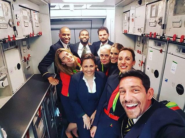 Hãng hàng không có phi hành đoàn điển trai nhất thế giới - Ảnh 12.