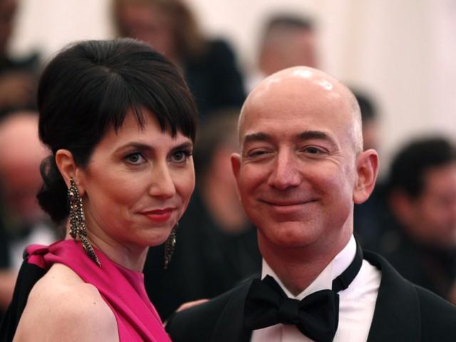 Soi cuộc sống của cặp vợ chồng giàu nhất hành tinh - Ảnh 3.