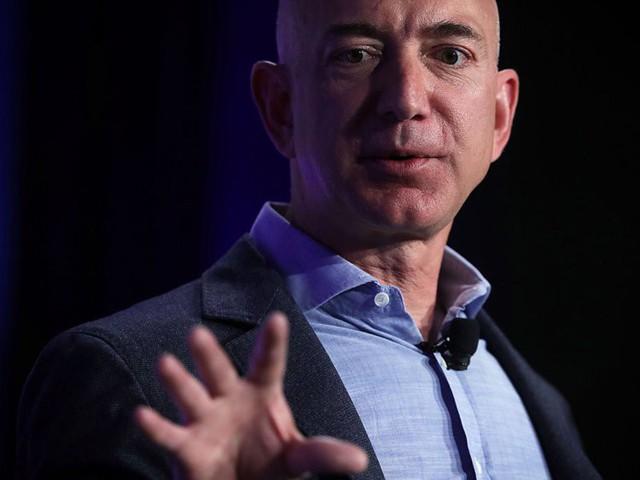 Thức dậy sớm, ăn sáng với vợ và rửa bát vào buổi tối: Còn những thói quen, sở thích gì làm nên thành công của người đàn ông giàu có nhất hành tinh - Jeff Bezos? - Ảnh 1.