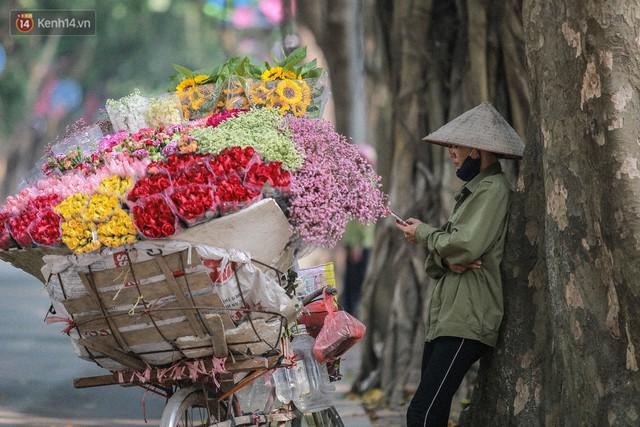 """8/3 của những người phụ nữ không bao giờ thiếu hoa: """"Mình thích thì mang hoa về tự cắm, chẳng cần chờ ai tặng cả!"""" - Ảnh 12."""