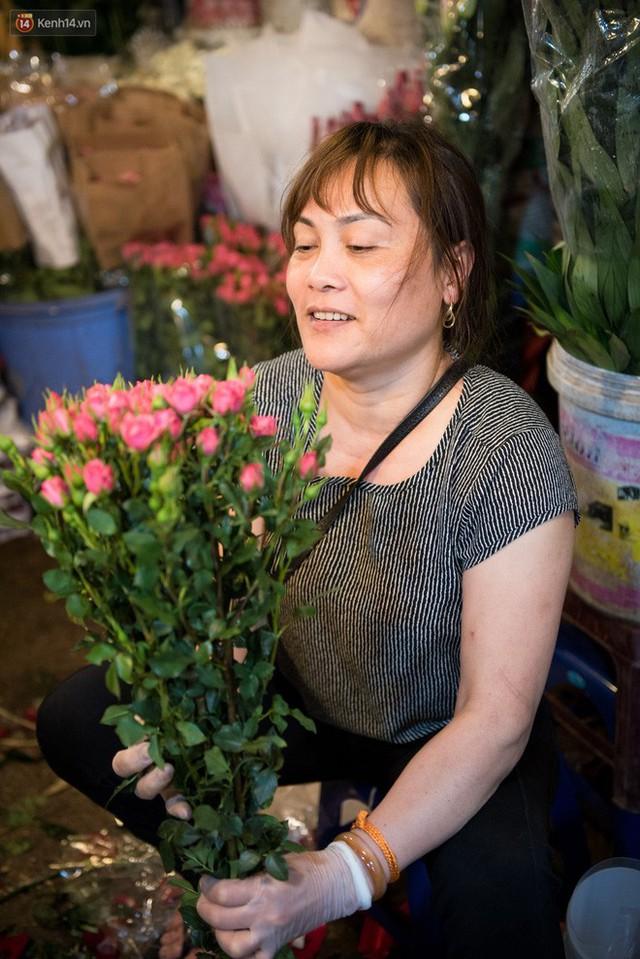 """8/3 của những người phụ nữ không bao giờ thiếu hoa: """"Mình thích thì mang hoa về tự cắm, chẳng cần chờ ai tặng cả!"""" - Ảnh 4."""