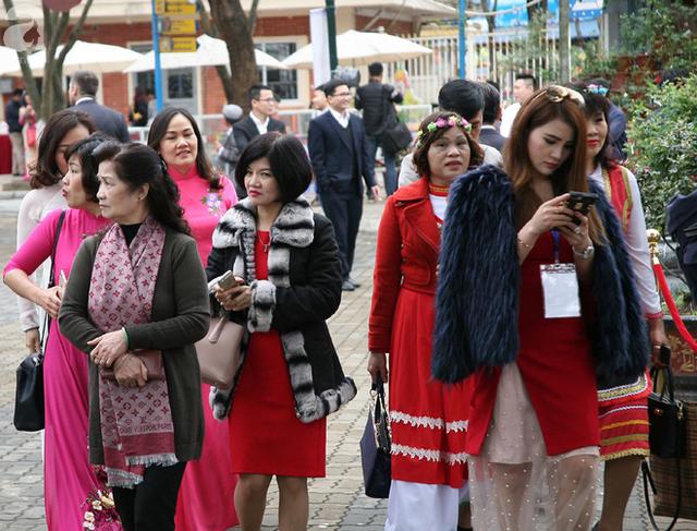 Lễ hội hoa hồng Bulgaria 2018: Không còn cảnh chen lấn, tranh nhau vé  - Ảnh 5.