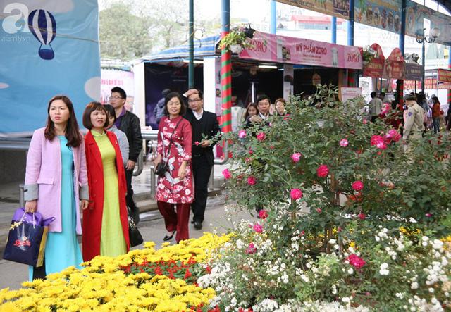 Lễ hội hoa hồng Bulgaria 2018: Không còn cảnh chen lấn, tranh nhau vé  - Ảnh 11.