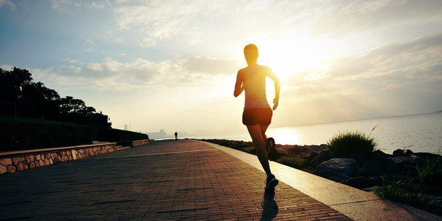 7 lí do thuyết phục bạn nên bắt đầu ngày mới bằng việc tập thể dục - Ảnh 1.