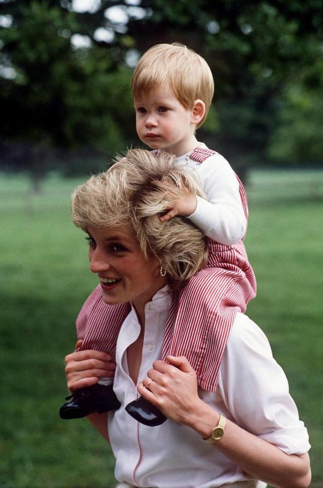 Cách làm mẹ của Công nương Diana vẫn luôn khiến các mẹ khắp thế giới ngưỡng mộ - Ảnh 2.