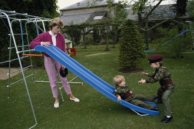 Cách làm mẹ của Công nương Diana vẫn luôn khiến các mẹ khắp thế giới ngưỡng mộ - Ảnh 8.