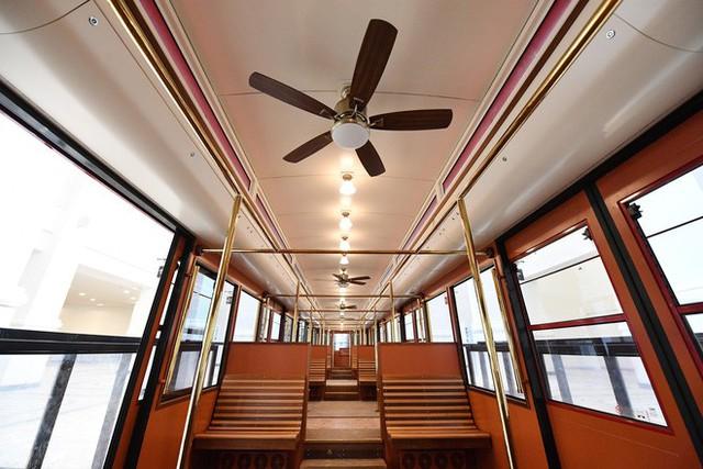 Tuyến tàu hỏa leo núi dài nhất Việt Nam đã chính thức hoạt động - Ảnh 4.