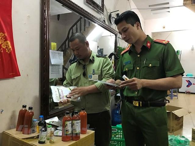 Hà Nội thu giữ lượng lớn sản phẩm Đông dược không rõ nguồn gốc  - Ảnh 1.