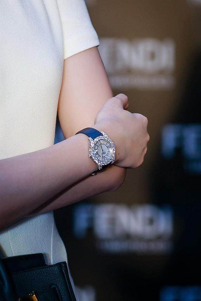 Có gì đặc biệt trong mẫu đồng hồ hơn 1 tỷ đang chinh phục những người nổi tiếng sành hàng hiệu - Ảnh 5.